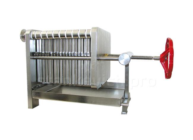 Пластинчатый фильтр FD 200x200 со сточной мисой и рамами из нержавейки